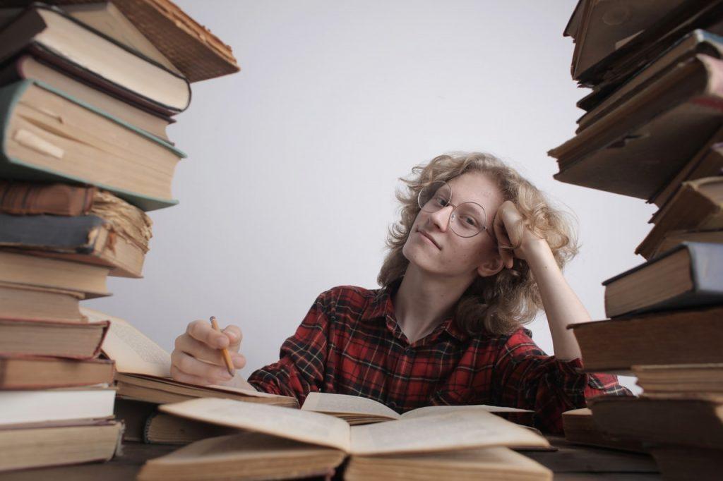7Th Grade Argumentative Essay Topics